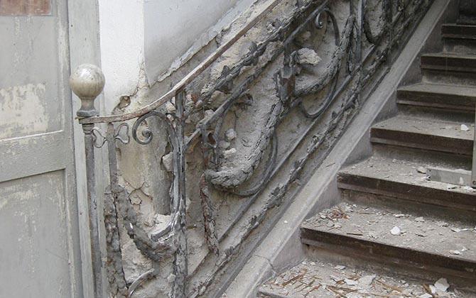 Noch unrestauriertes Treppengeländer in C4,6, Wohnhaus von Friedrich Engelhorn